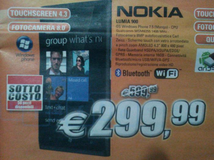 Nokia lumia 900 in offerta sottocosto a 299 99 da expert for Di lella expert volantino