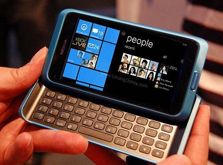 Nokia esclude al momento un terminale windows phone con - Smartphone con tasti ...
