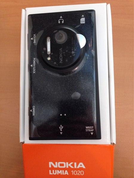 lumia-1020-unbox