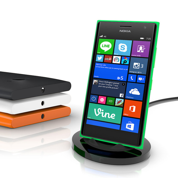 Lumia-735-wireless-charging