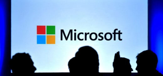 """Satya Nadella: Microsoft progetta il """"dispositivo mobile definitivo""""!"""