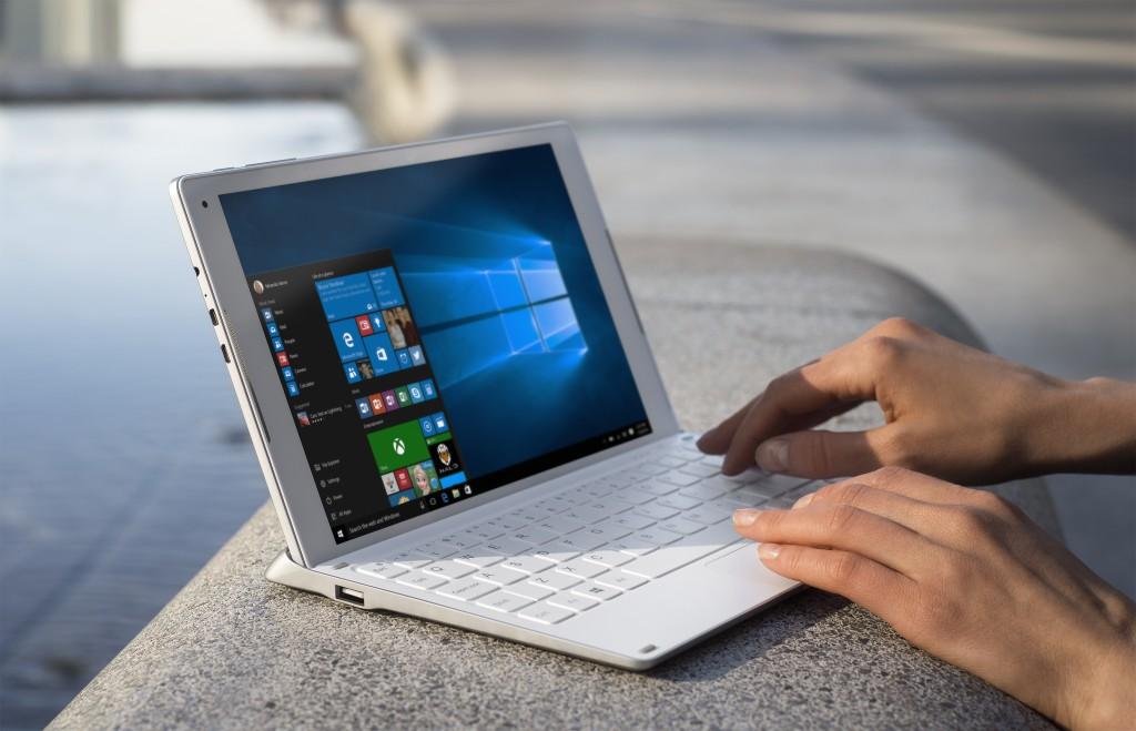est_laptop_6037_crop-1024x659